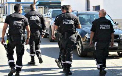 Νεκρός ο δράστης που τραυμάτισε αστυνομικό με σκεπάρνι στην Απαισιά