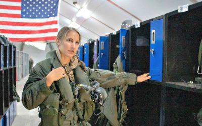 Η πρώτη γυναίκα που πέταξε το μαχητικό F-35A της Πολεμικής Αεροπορίας των ΗΠΑ | Φωτογραφία