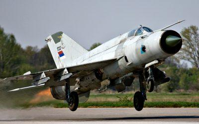 Συνετρίβη αεροσκάφος MIG-21 στην δυτική Σερβία – VIDEO & Φωτογραφίες