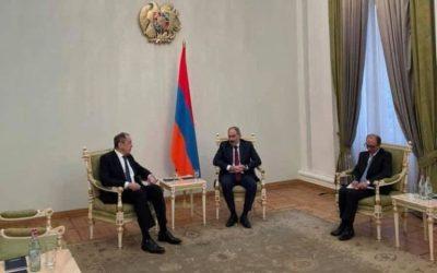 Αρμενία | Κάτι τρέχει στο Γερεβάν με τις ρωσικές σημαίες – Φωτογραφίες