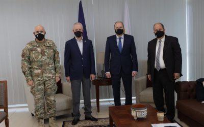 Συνάντηση με φόντο την αναβάθμιση της επιχειρησιακής ικανότητας της Εθνικής Φρουράς
