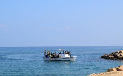 Πλοιάριο με μετανάστες ανοιχτά του Κάβο Γκρέκο – Επέστρεψαν στην χώρα τους