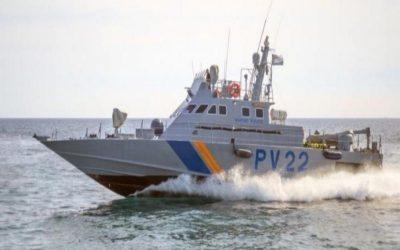 Βάρκα με δέκα ενήλικους παράτυπους μετανάστες εντοπίστηκε ανοικτά του Κάβο Γκρέκο