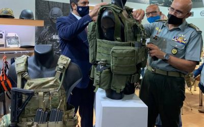 Chief of National Guard | Briefed on bulletproof vests of the Greek Double Action Defence S.A.